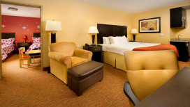 Holiday Inn Express Schererville Hotel suite