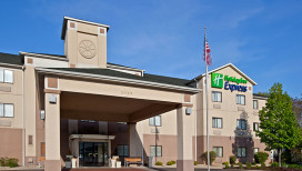 Holiday Inn Express Hotel Portage Exterior