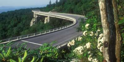Warm Weather Calls for a Relaxing Scenic Drive