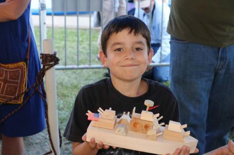 Kids Boat Shop lets kids make their own souvenir boat
