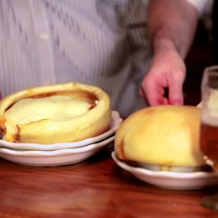 Beyond the Loop - Lincoln Park: Chicago Pizza and Oven Grinder