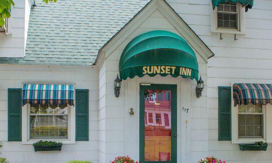 Sunset_Inn_2.JPG