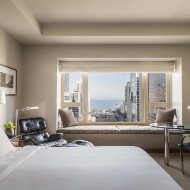 Hotel Standard Lake View King guestroom at Park Hyatt Chicago