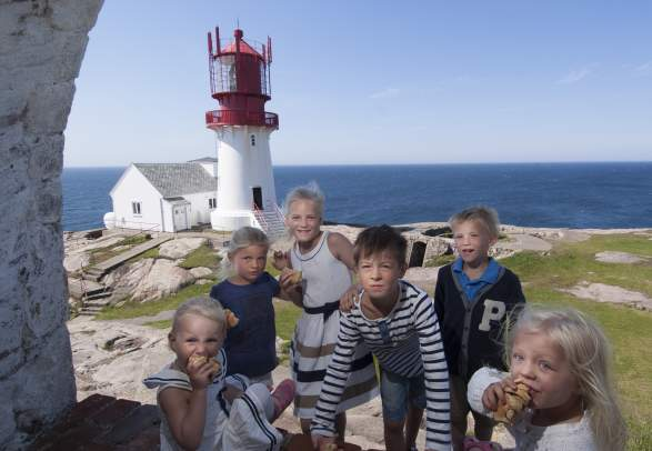 Family visiting Lindesnes Lighthouse