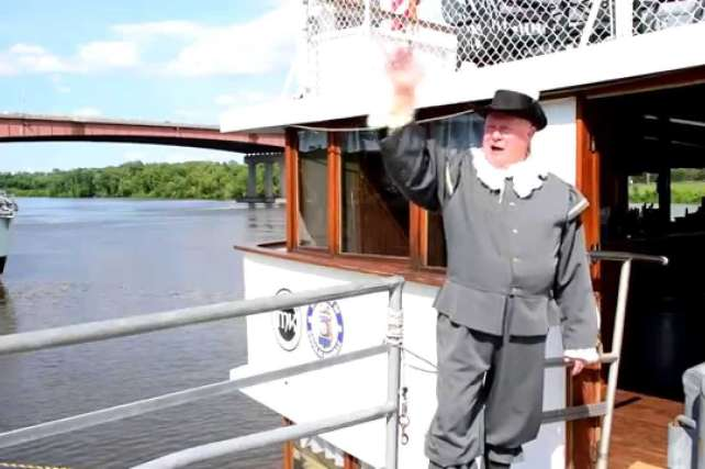 Voyage on the Hudson with Dutch Apple Cruises!