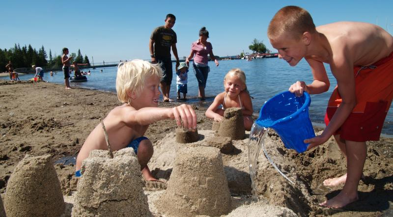 Clear Lake – Kids Playing on beach