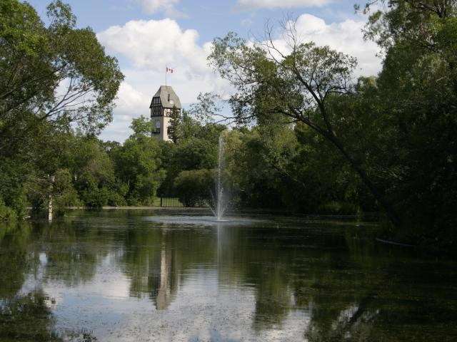 O Tours takes us to Assiniboine Park
