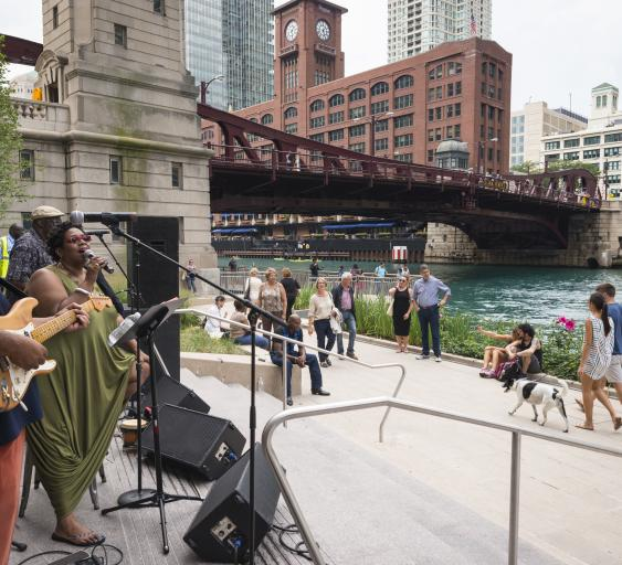 Band playing on the Riverwalk