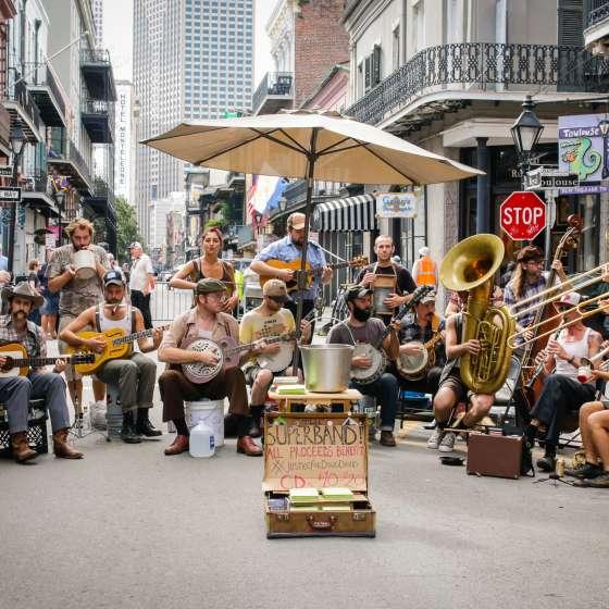 Street performers, music, musicians