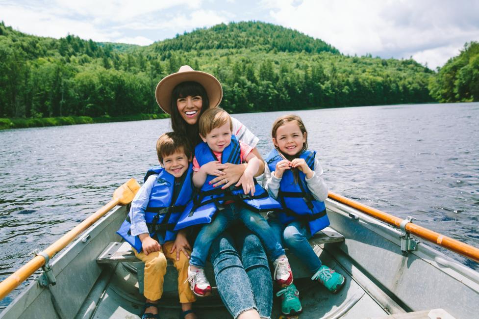 Family Influencer_Naomi Davis in Adirondacks