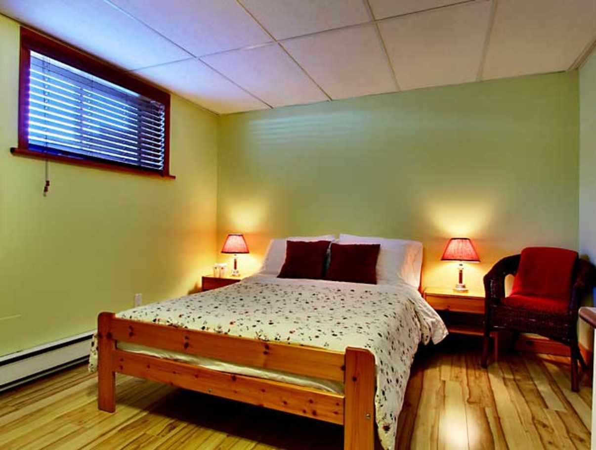 Au g te de la chute bed and breakfast establishments for Area riservata bed and breakfast