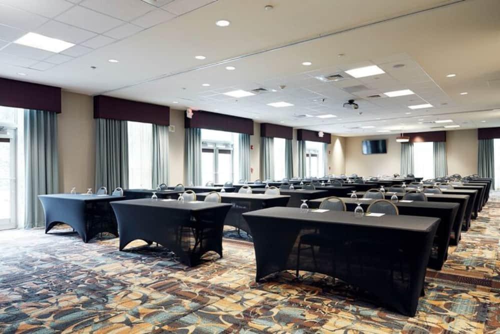 Book Your Group Visit Or Tour At Hilton Garden Inn Charleston Mt Pleasant Charleston Area Cvb