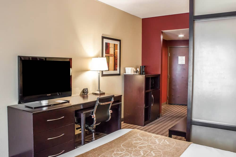 Comfort Suites West Of The Ashley Charleston Area Cvb