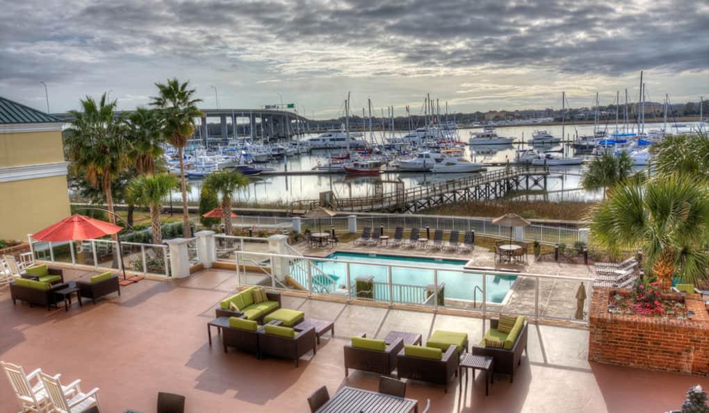 Courtyard Charleston Waterfront