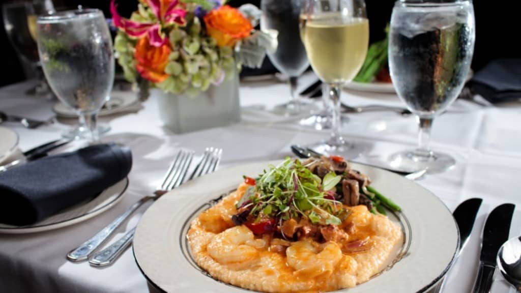 Image of SpiritLine Dinner Cruise