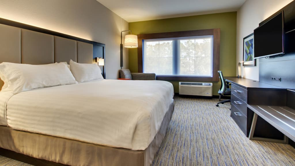 Image of Holiday Inn Express & Suites Mt. Pleasant NE
