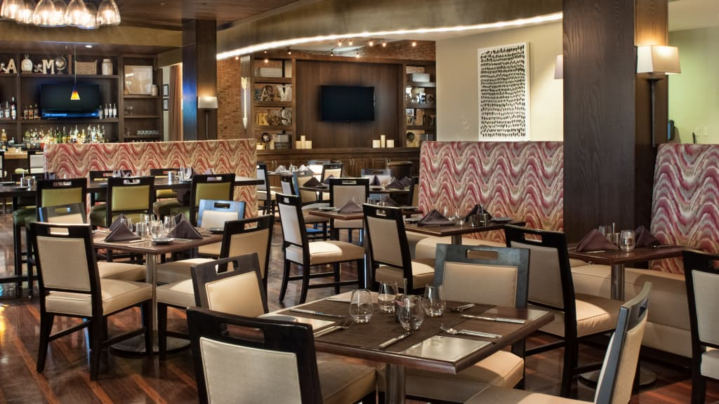 Image of Saffire Restaurant at Charleston Marriott