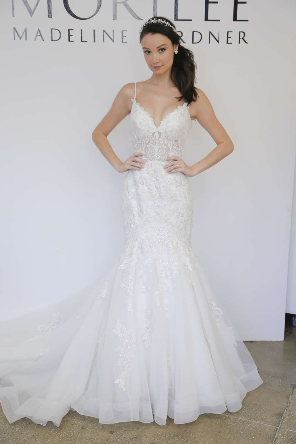 10 amazing wedding dresses in las vegas get married in vegas for Wedding gowns las vegas