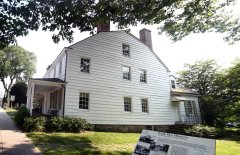 Square House Museum / Rye Historical Society