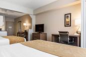 Comfort Suites Queen Suite