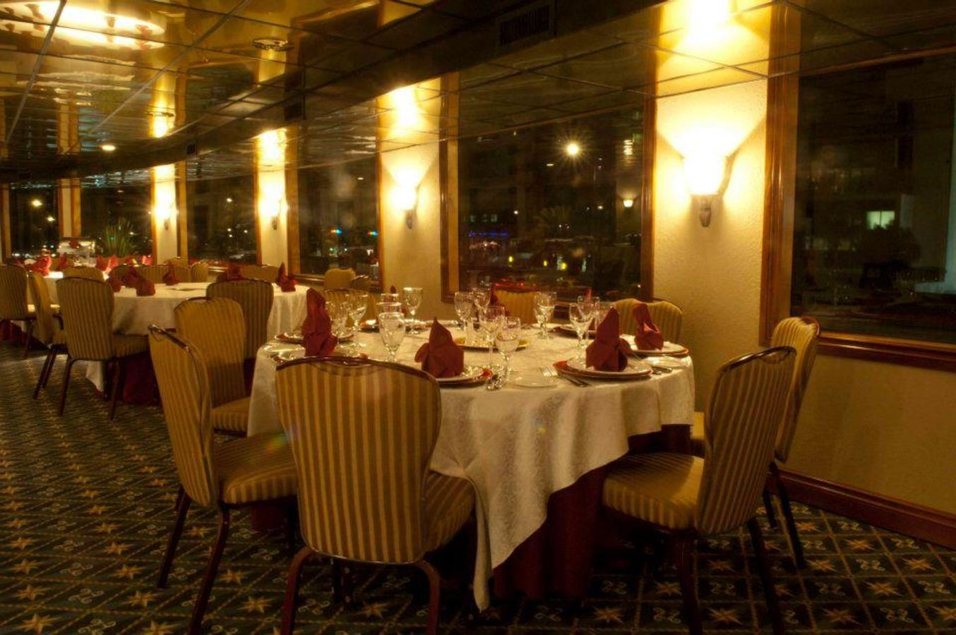 We can accommodate formal dining