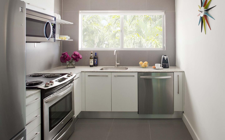 1818 Meridian House kitchen
