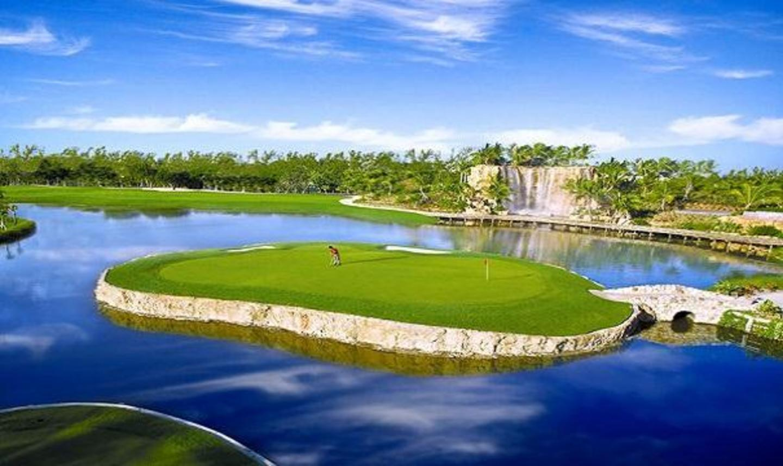 Golf Club at Turnberry Isle Miami