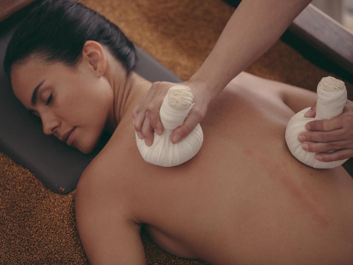 Alisselle Amethyst Himalayan Massage
