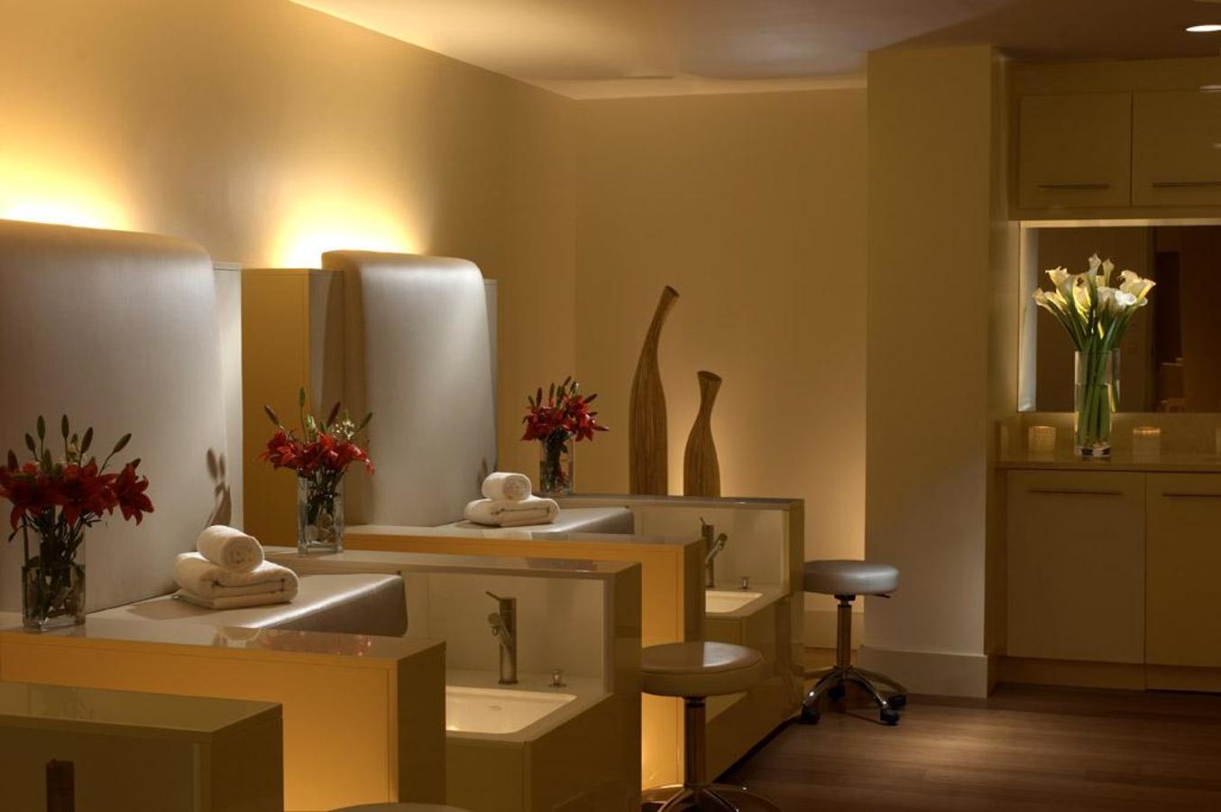 Spa Mani & Pedi Room
