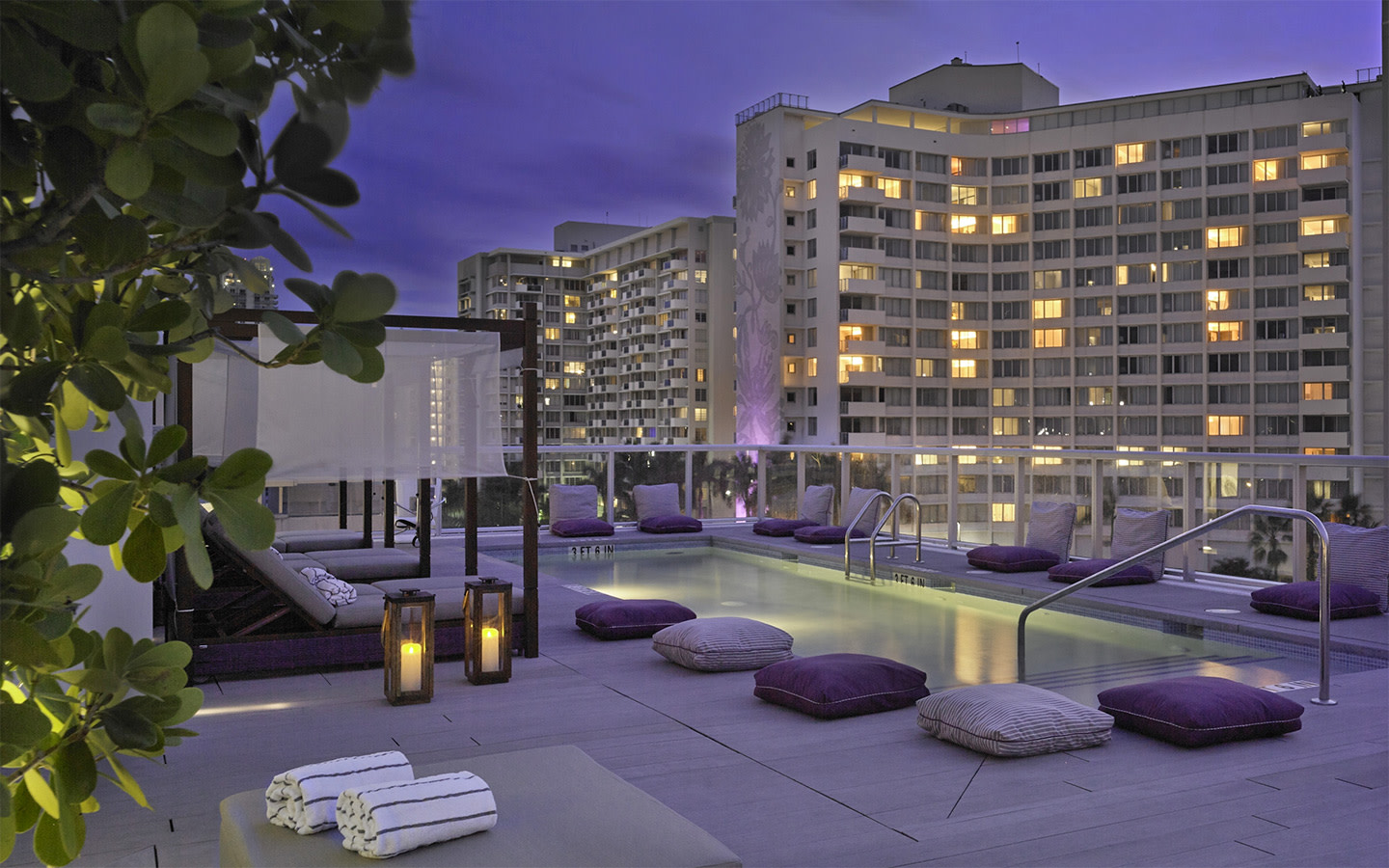 Abae Hotel Rooftop Pool View