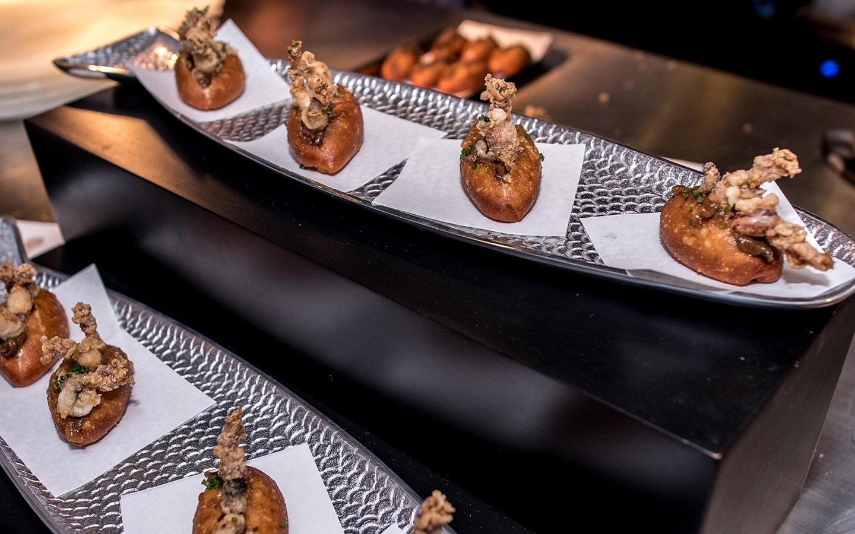 Bazaar Mar dining