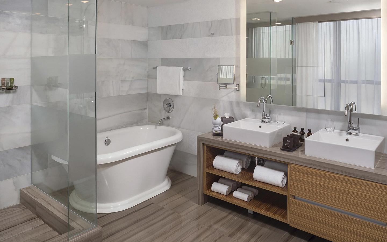 ME Miami Hotel bathroom