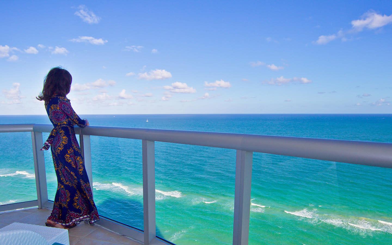 Guest oceanfront balcony