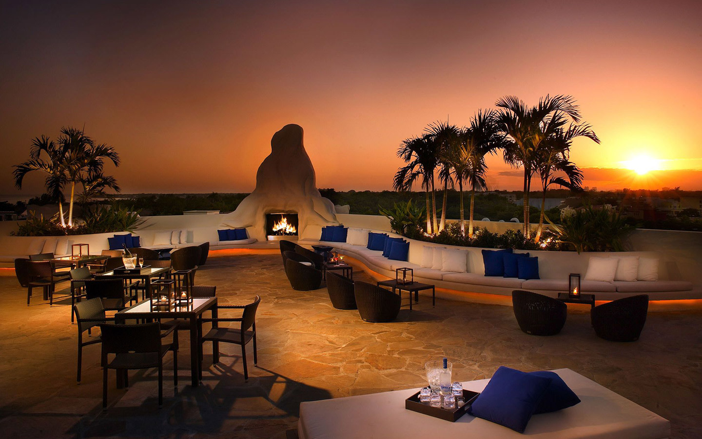 Mayfair Hotel and Spa Rootop Lounge