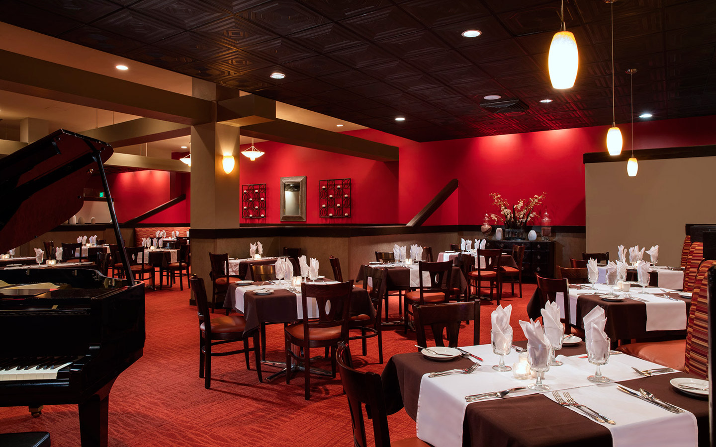 Rioja Grille dining area