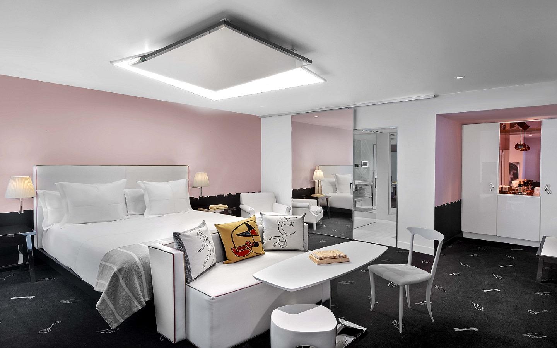 SLS Lifestyle Suite Bedroom