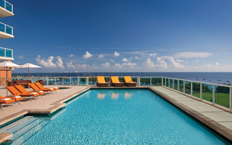 Sonesta Coconut Grove Swimming Pool/8th Floor