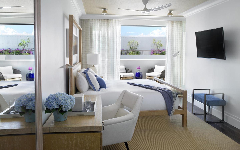 Deluxe Ocean View Balcony Room