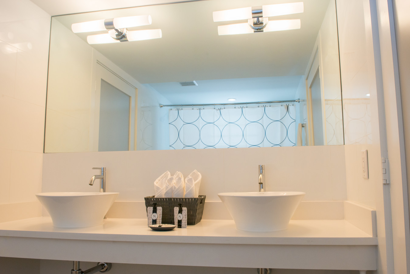 Seaside Apartment Hotel - Bathroom