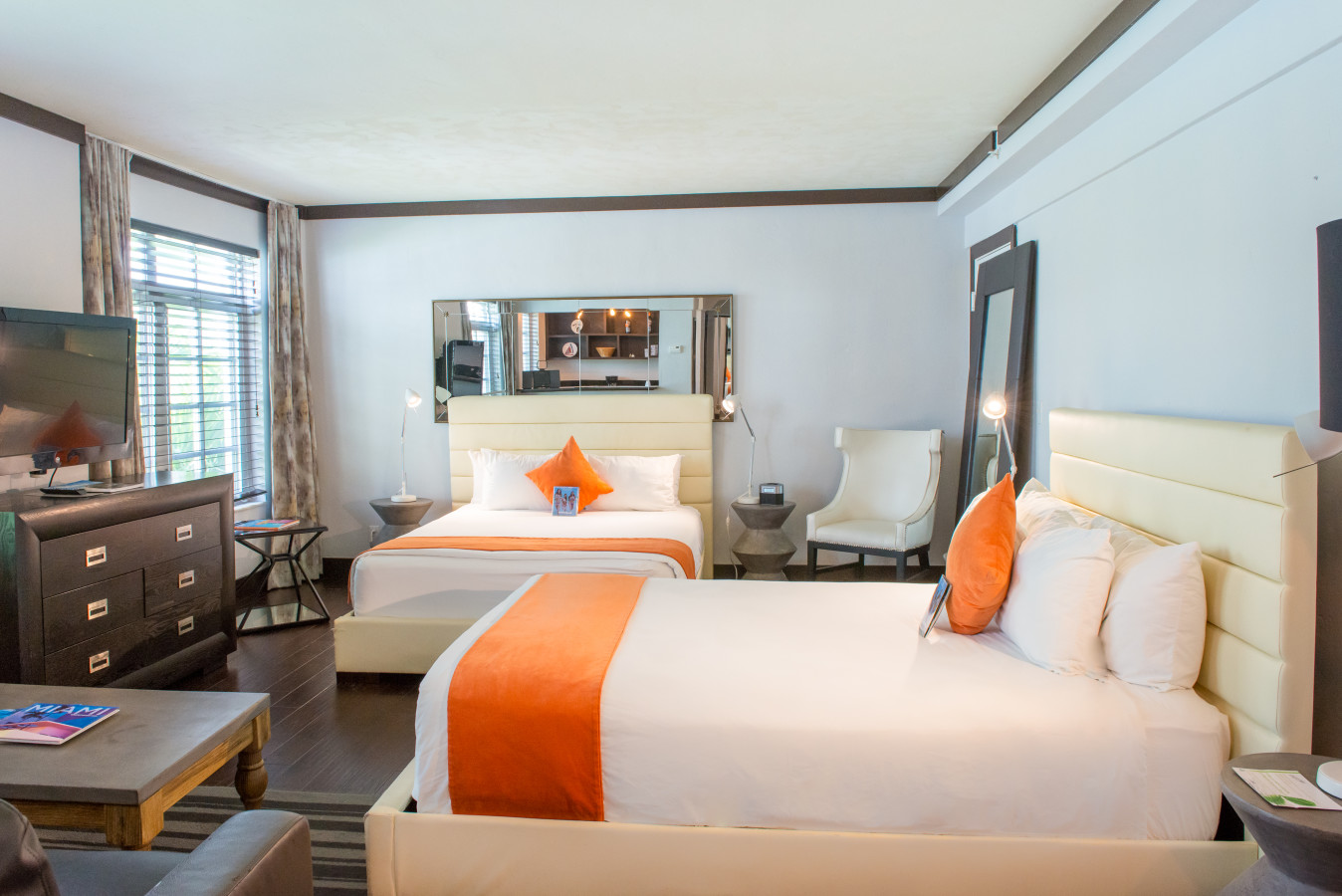 Studio Suite with Two Beds - Lincoln Arms Suites