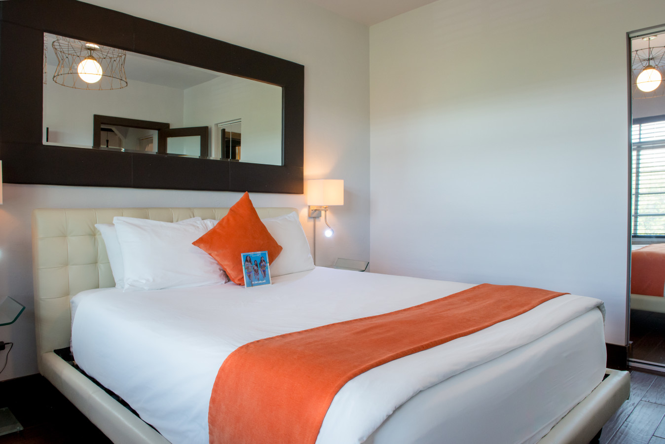 Studio Suite with One Bed - Lincoln Arms Suites