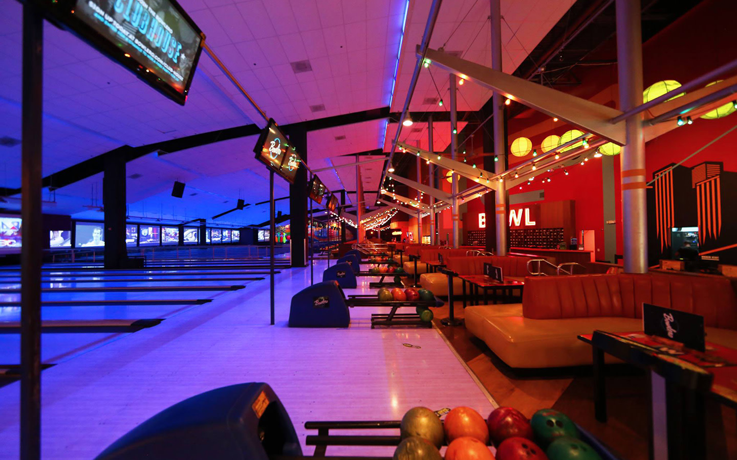 Discover your new favorite place to bowl