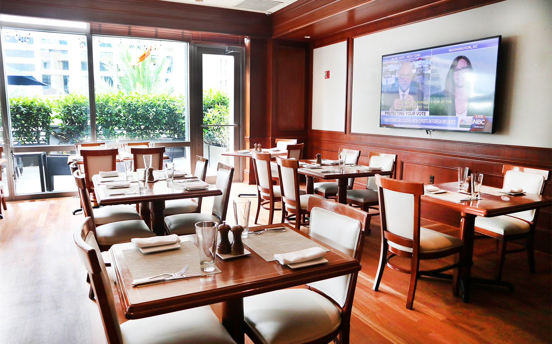 La Terraza Cafe & Bar