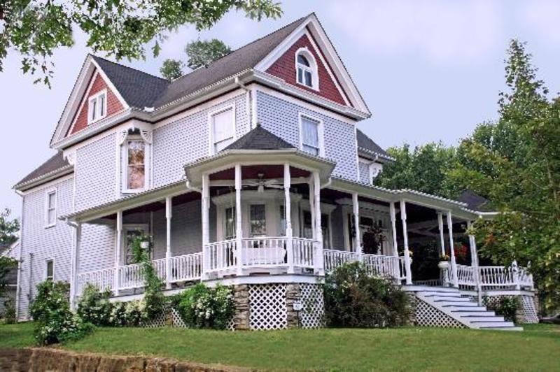 Eagle Hill Manor