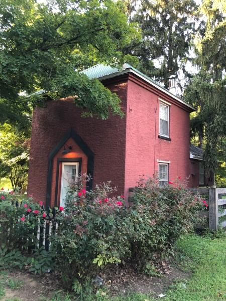Bourbon Oak Smokehouse Cottage
