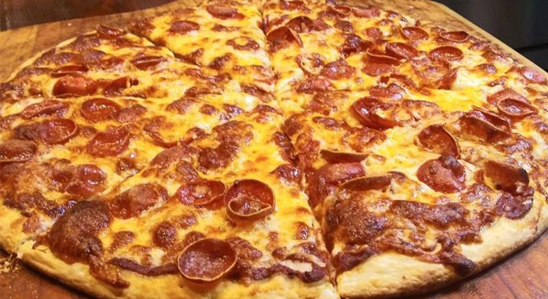 Beach Harbor Pizza Image