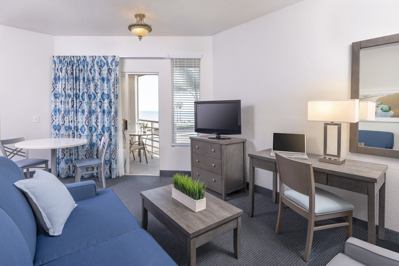 Beachfront Inn & Suites Image