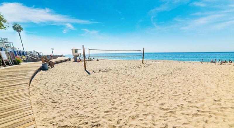 Main Beach Image