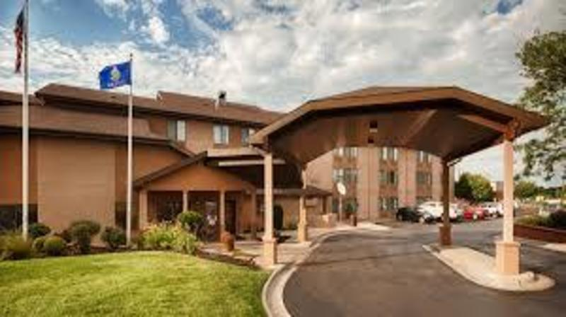 University Inn @ Suites Lawrence, The Featured Image