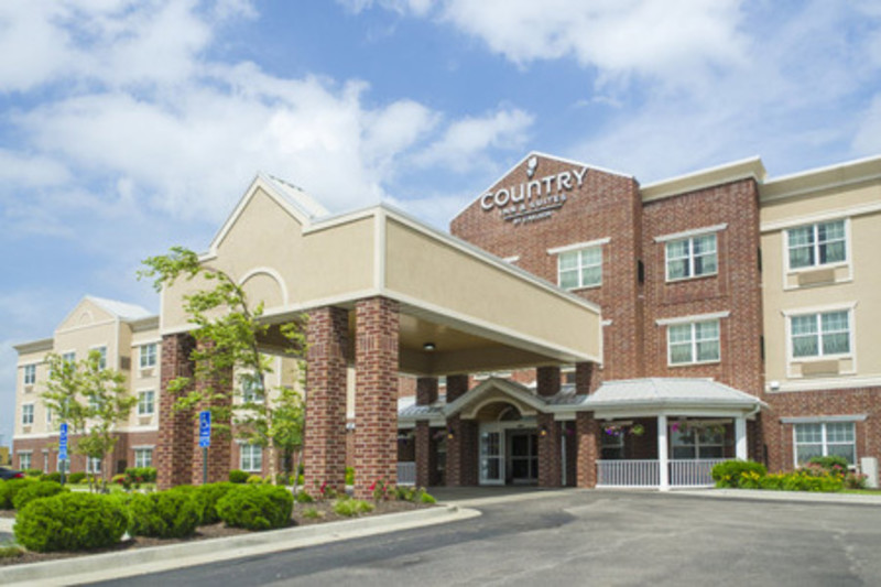 Country Inn & Suites - KCK Featured Image